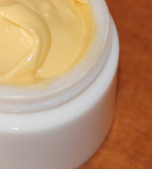 Intense Augenserum – Straffende Feuchtigkeits-Intensivpflege