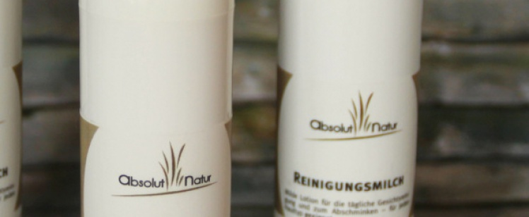 Cremig zarte Reinigungsmilch – Ein neues Produkt bei absolut natur